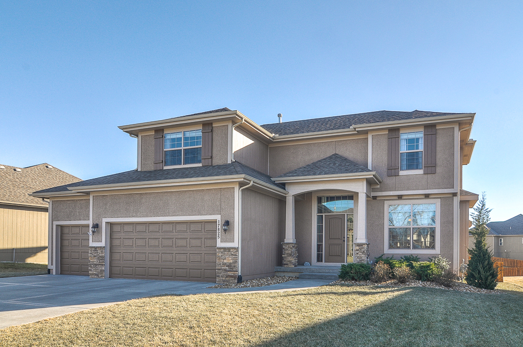 Must see olathe 4 bedroom in stonebridge meadows for Must haves when building a new home