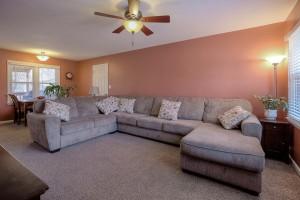 5306 Nieman Road, Shawnee KS