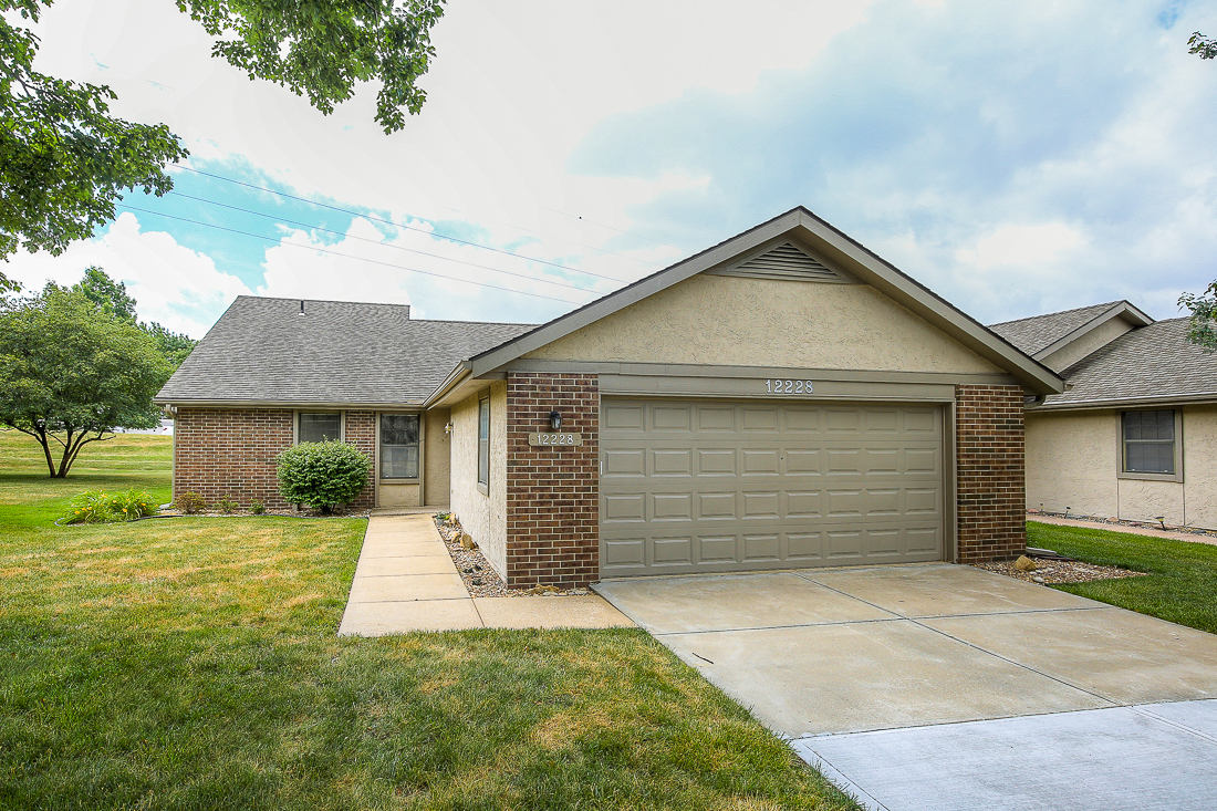 Maintenance Provided Living in Overland Park